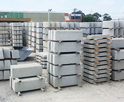 svc precast concrete kerb units
